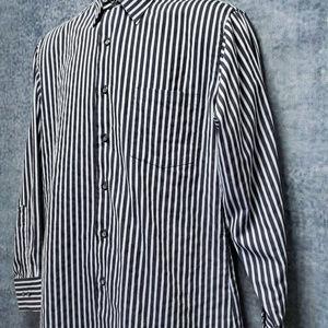 Van Heusen Long Sleeve Button Front Blue Shirt